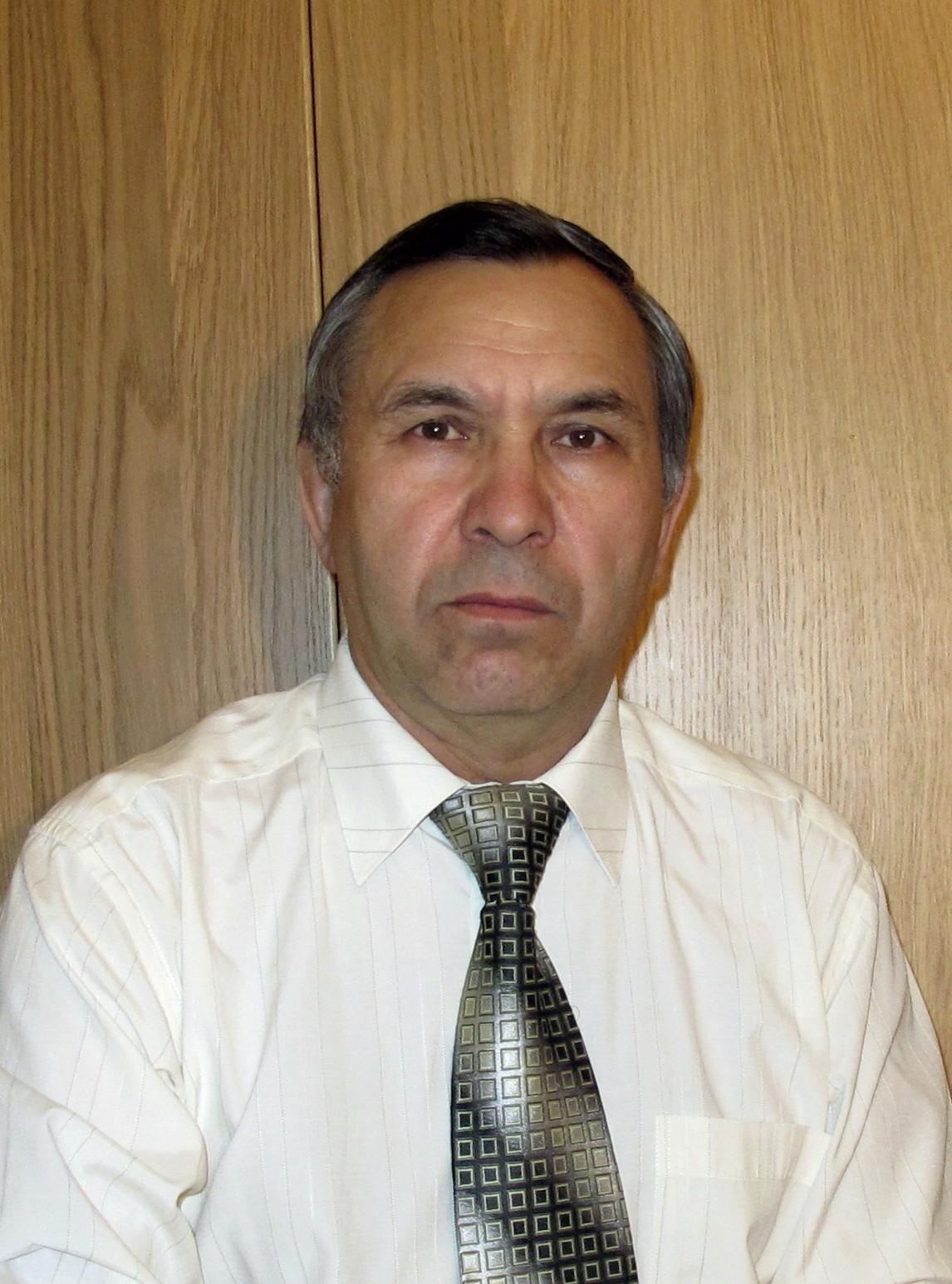 Д. Валинуров