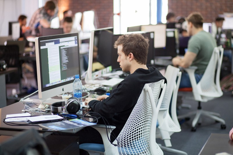 Определена зарплата разработчиков ПО в Кремниевой долине