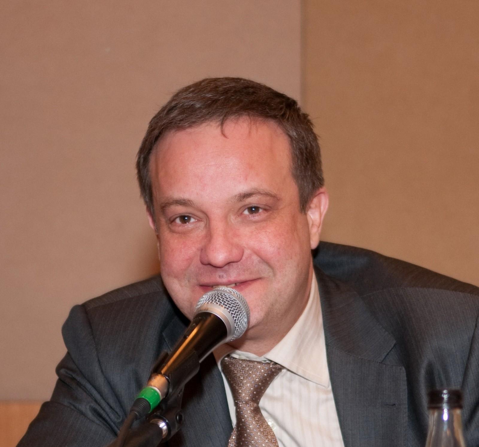 Павел Хилов