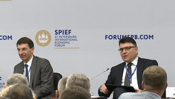 Помощник президента РФ Игорь Щёголев (слева) и глава Роскомнадзора Александр Жаров
