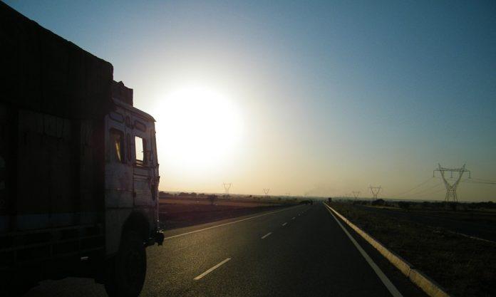 дорога грузовик