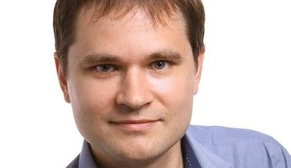Влад Збитнев – директор ассоциации производителей навигационной аппаратуры «ГЛОНАСС-Сибирь», технический директор завода по производству бортовой аппаратуры «Азимут», системный архитектор распределённых высоконагруженных систем обработки телеметрии.