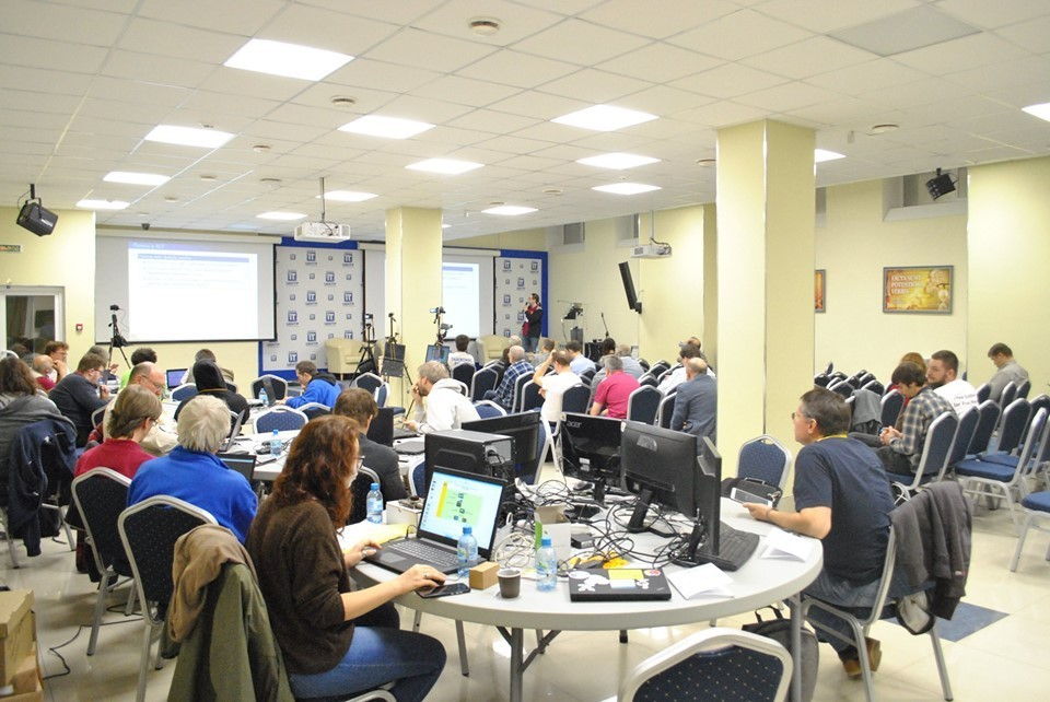 XVI конференция разработчиков свободных программ: от российских процессоров до «говорящих зеркал»