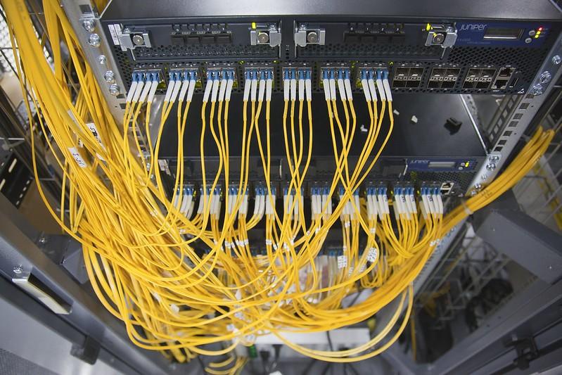 При оказании универсальных услуг связи следует использовать преимущественно отечественное оборудование - проект приказа Минцифры